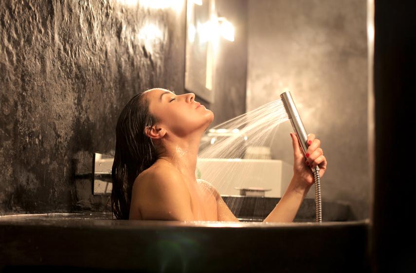 StickyDo Challenge Das Morgenritual für Weltklasse Performer : Duschen Sie für 2 bis 3 Minuten eiskalt