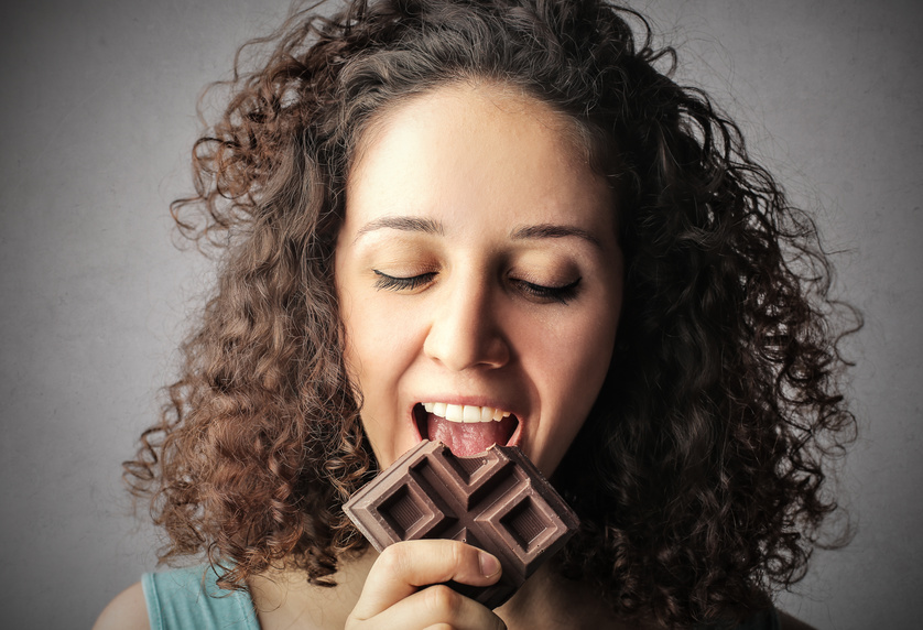 Wer schafft es die Schokolade vollständig aufzuessen?